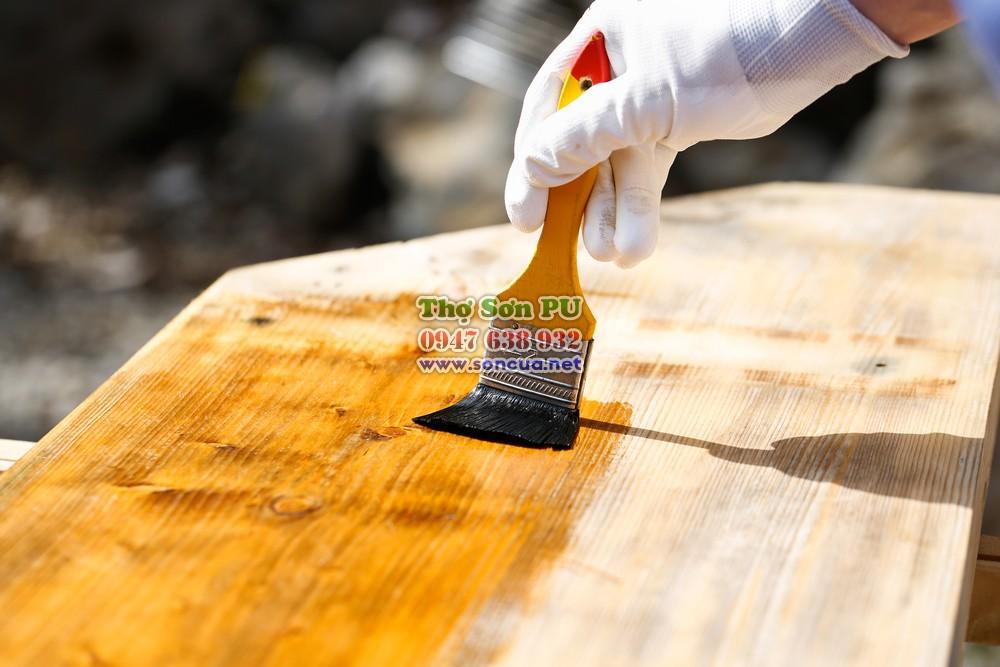 Sơn lại đồ gỗ cũ giúp duy trì tính thẩm mỹ và gia tăng độ bền sản phẩm